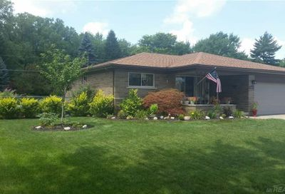 38157 Charwood Sterling Heights MI 48312
