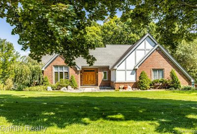 2423 Pepperidge Trail Brighton Twp MI 48114