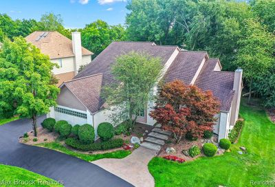 6923 Lakemont Circle West Bloomfield Twp MI 48323