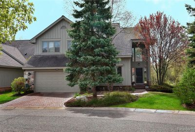 7027 Daventry Woods Drive West Bloomfield Twp MI 48322