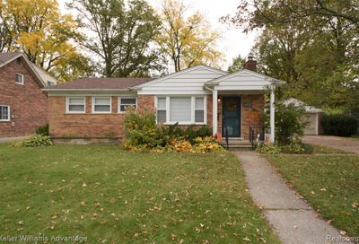 22674 Maple Avenue Farmington MI 48336