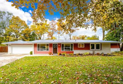 2181 Newport Court Wolverine Lake MI 48390