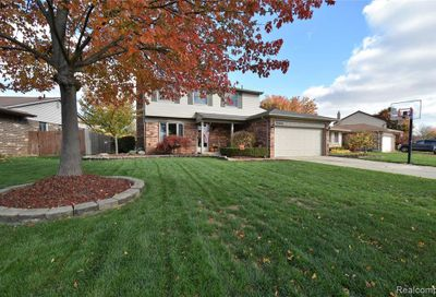 37690 Streamview Drive Sterling Heights MI 48312