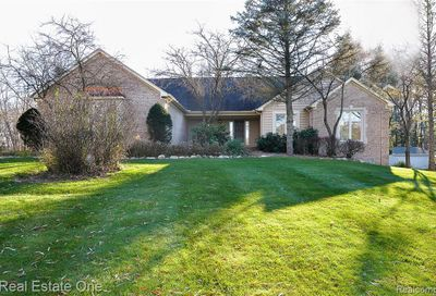 1586 Waw Lake Road Brighton Twp MI 48114