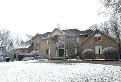 4540 Valley View Point Oakland Twp MI 48306