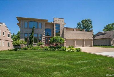 1071 Forest Bay Court Waterford Twp MI 48328