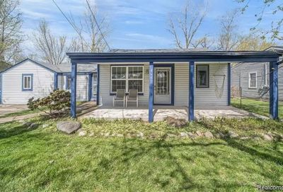 4692 Charest Avenue Waterford Twp MI 48327