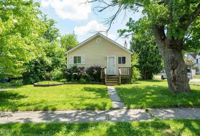 1159 Lakeview Waterford MI 48328