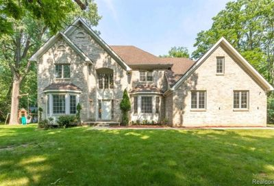 5681 Halsted Road West Bloomfield Twp MI 48322
