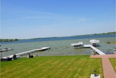 1712 Cass Lake Front Road Keego Harbor MI 48320