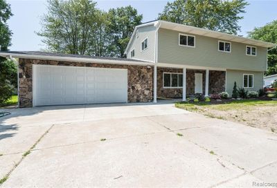 32048 Lakepoint Street Chesterfield Twp MI 48047