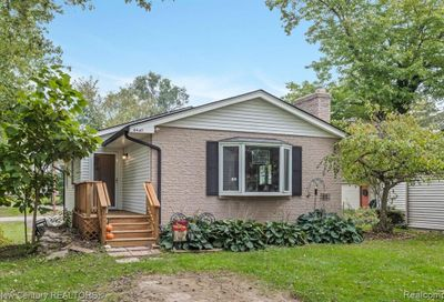 4460 Major Ave Waterford Twp MI 48329
