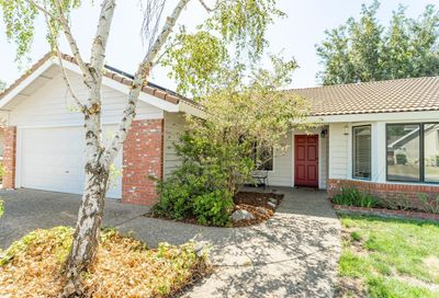 813 Carrion Circle Winters CA 95694