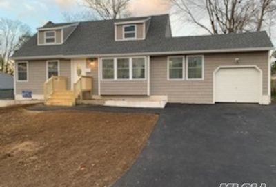 25 Morris St Brentwood NY 11717