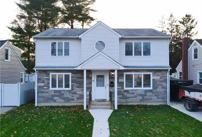 28 Marvin Ave Uniondale NY 11553