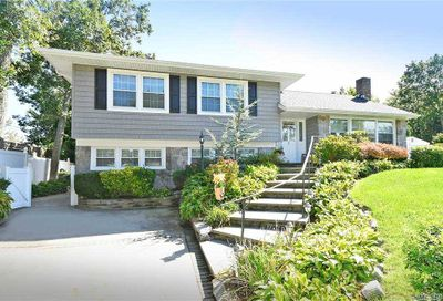 3 Berryhill Place Old Bethpage NY 11804