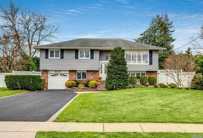 35 Fairway Drive Old Bethpage NY 11804