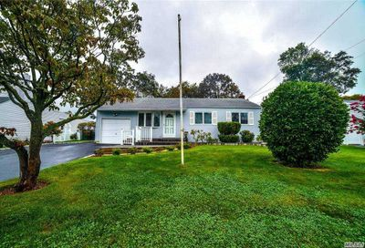 357 Oakwood Avenue West Islip NY 11795