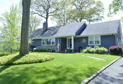 541 Pine Acres Boulevard Brightwaters NY 11718