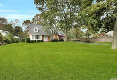 13 Timberpoint Road East Islip NY 11730