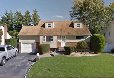10 Nautilus Avenue Plainview NY 11803