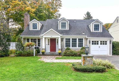 25 Leeds Drive Port Washington NY 11050