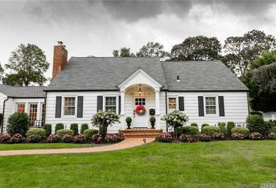 511 Potter Boulevard Brightwaters NY 11718