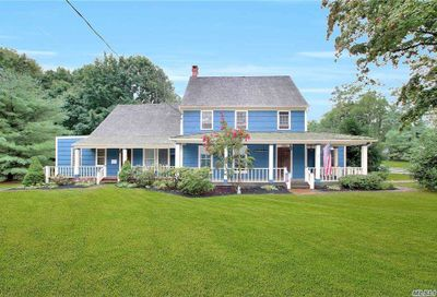 178 N Country Road N Miller Place NY 11764
