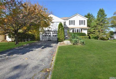 17 Old Hills Lane Port Washington NY 11050