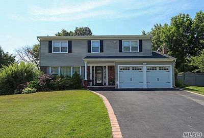 54 Sherwood Drive Huntington NY 11743
