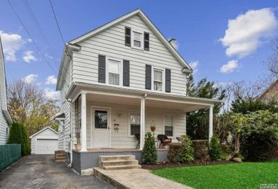 25 Highland Ave Port Washington NY 11050