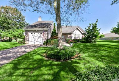 1 Thoroughbred Court East Moriches NY 11940