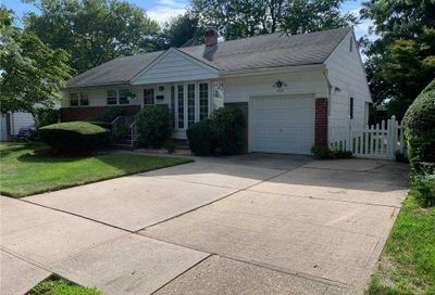585 Plainview Road Plainview NY 11803