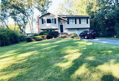 31 Ronde Dr Commack NY 11725