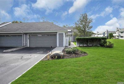 137 Captains Court Moriches NY 11955