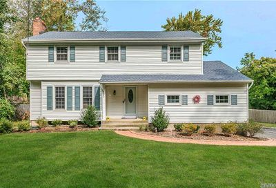161 Middleville Rd Northport NY 11768