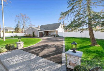 42 Timberpoint Rd East Islip NY 11730