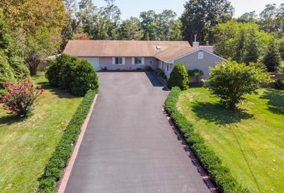 23 Lincoln Boulevard East Moriches NY 11940