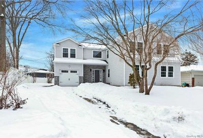 27 Adrienne Drive Old Bethpage NY 11804