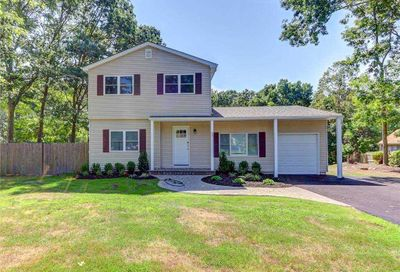 26 Valley Drive East Moriches NY 11940