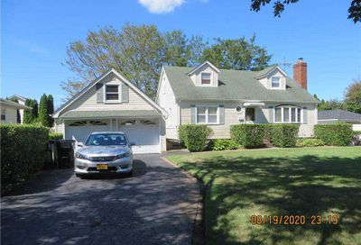 54 Dogwood Road West Islip NY 11795