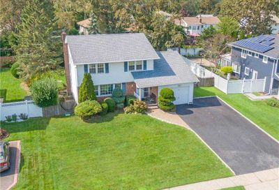48 Marquette Dr Smithtown NY 11787
