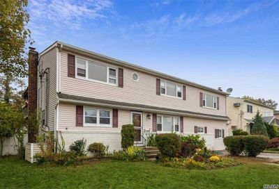 2407 Amherst St East Meadow NY 11554