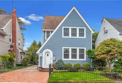 2691 Magee Place Oceanside NY 11572