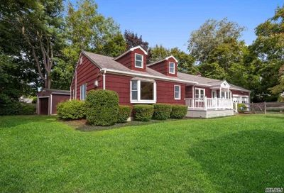 9 Tanglewood Court Greenlawn NY 11740