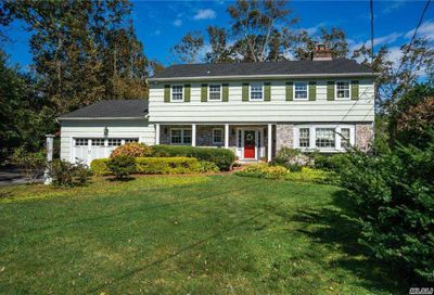 240 Windsor Avenue Brightwaters NY 11718