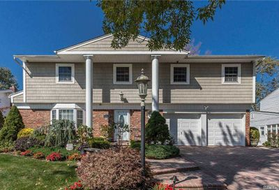 41 Bluebird Lane Plainview NY 11803