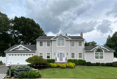 95 Mayfair Road Nesconset NY 11767