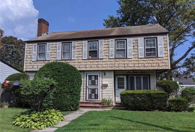 637 Meadowbrook Road Uniondale NY 11553