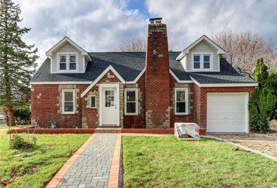 730 Charter Court Uniondale NY 11553